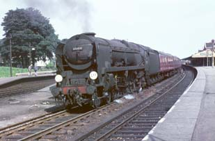 Vol 24: 35011 calls at Basingstoke with an inter-regional working in 1965.
