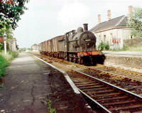 Vol 5: 43593 passing Hinton with the afternoon freight from Evesham to Ashchurch, summer 1962